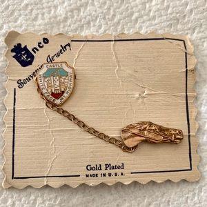 Vintage souvenir pin ✨